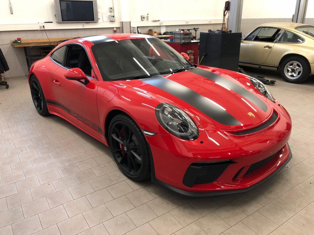 Porsche GT3 Touring mit Lackschutz und Design