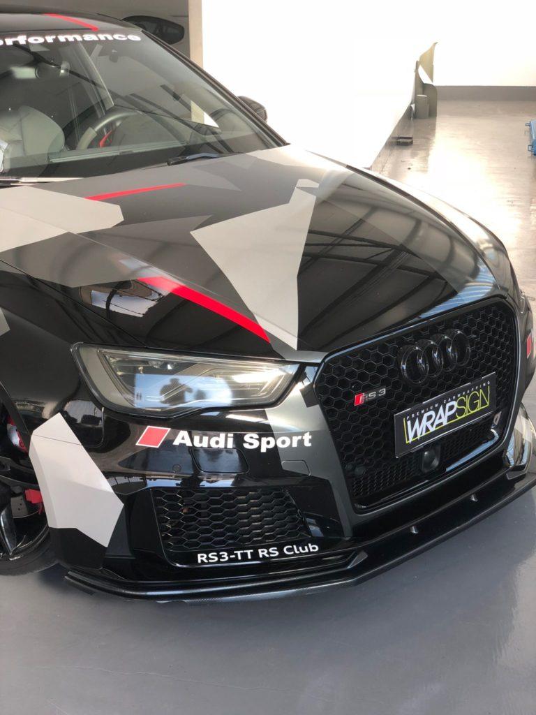 Audi RS3 in Camouflage inkl. Scheibentönung