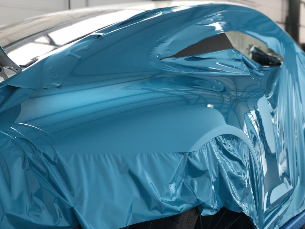 Porsche GT3 Touring Miami Blue Folierung