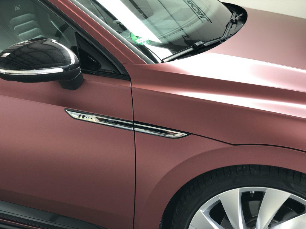 VW Arteon Oracal Rot Braun Metallic