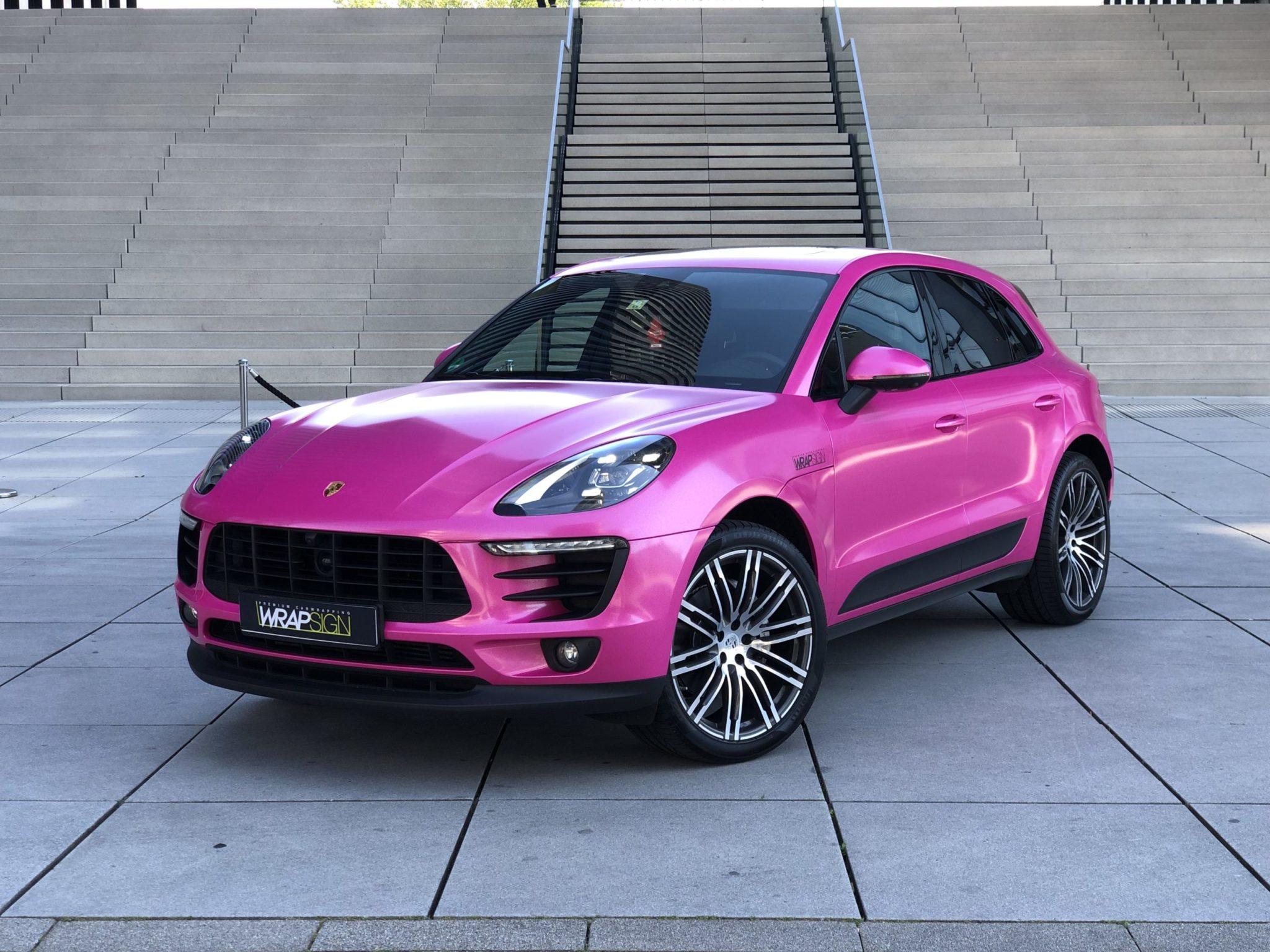 Cathy Lugners Porsche Macan foliert